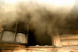Почему дымит железная или кирпичная печь в бане: причины и решение